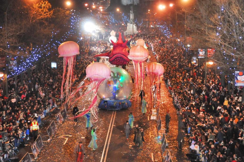 spanish-christmas-traditions-cabalgata-reyes-parade