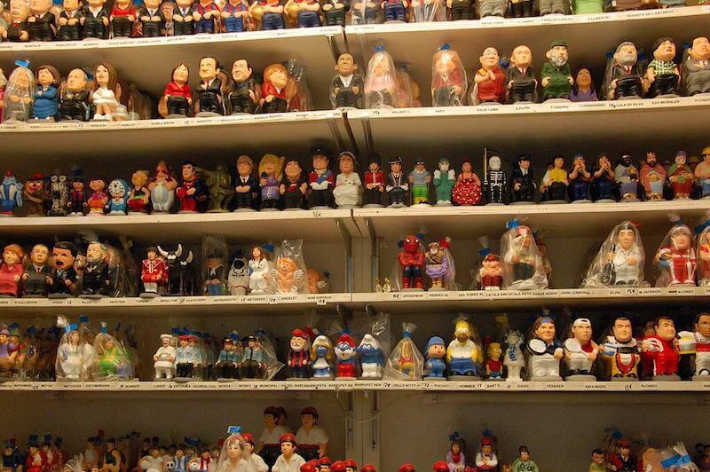 spanish-christmas-traditions-caganers-shelf