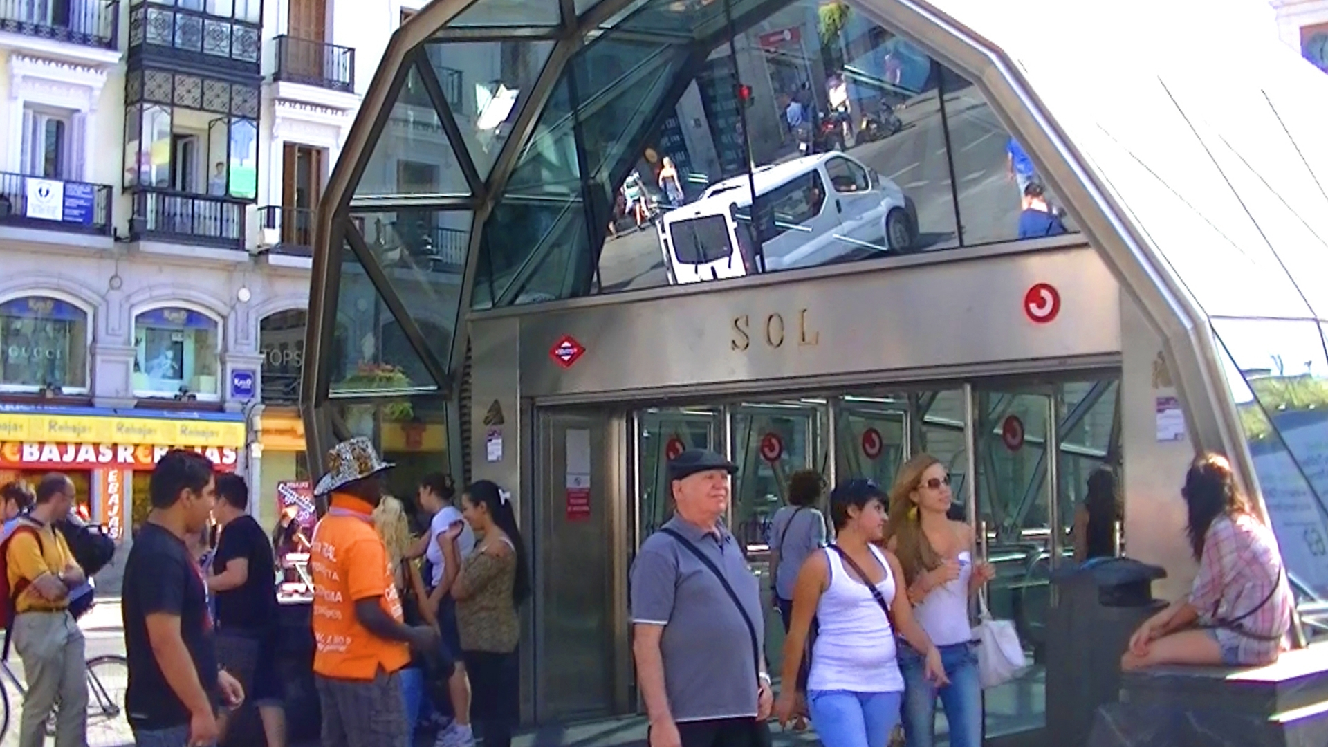 Places to go in madrid a photo blog for Puerta del sol madrid