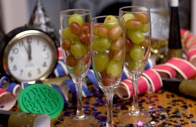 spanish-christmas-traditions-grapes
